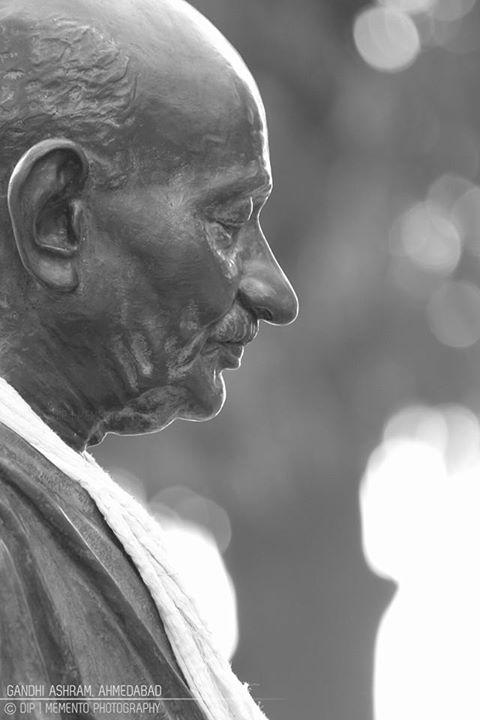 Happy Gandhi Jayanti. #gandhijayanti #freedomfighter #india #gandhiashram #sabarmatiashram #ahmedabad #bapu #mahatmagandhi #mkgandhi #ashramroad #ashramroadahmedabad #amdavad #_soi  #streetofindia #streetphotography