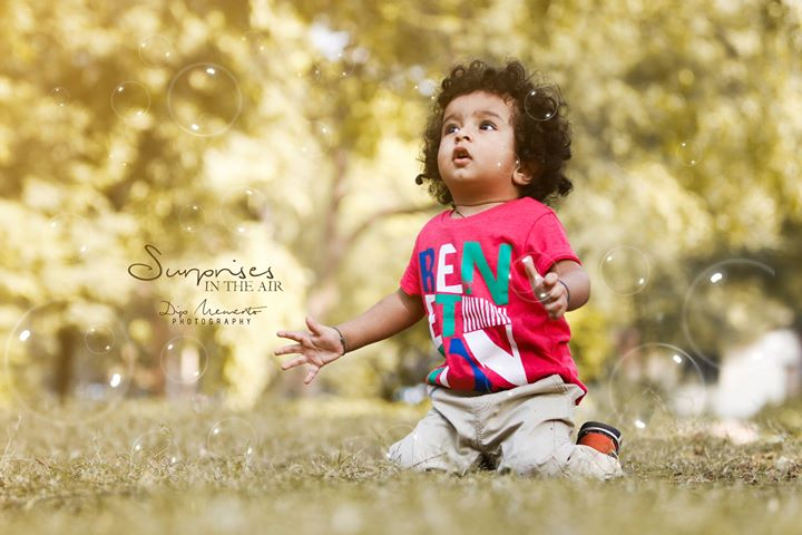 Surprises in the Air...  #Happy #Childhood. ✨✨✨✨✨✨✨✨✨✨ Babyshoot by : Dip thakkar | #dipmementophotography @dip_memento_photography @dipthakkar.clicker https://www.instagram.com/dip_memento_photography/ https://www.facebook.com/photographybydip/ ✨✨✨✨✨✨✨✨✨✨✨ 🙌#kidsphotography #parenting #motherhood#baby #babies #babyboy #little #babykid #instababy #babys #babycute #lovesmootiepie #beautifulbaby #cutie #berrycurly #birth #beauty #babybump #mommylife #momlife #mommy #kids