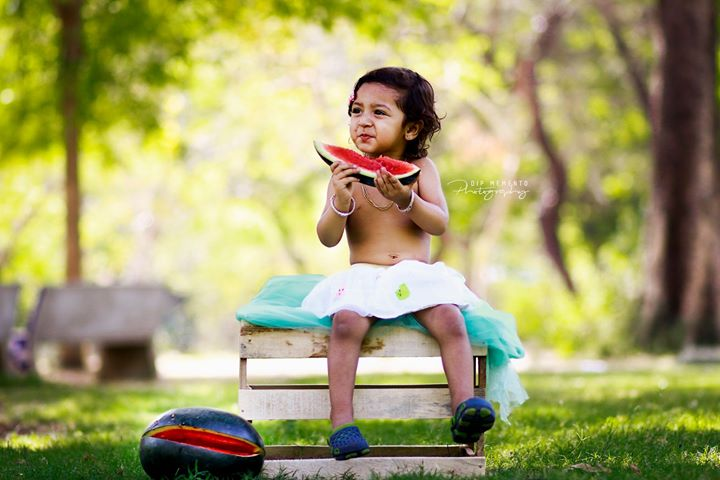 😋🍉🍉🍉 Watermelon Season, do you like it?? 🍉🍉🍉😋 .  Baby/Kids Photography : 9924227745 Dip Memento Photography Parth Thakkar , Akash Solanki  #kidsphotography  #littletoes #tinystars #instaking  #loved #summerstyle #watermelon #instakids #greens #natural #cute #instakids #fineartphotography #india #ahmedabad #kidsphotoshoot #babyphotoshoot #babyphotography  #picoftheday #loved #blessed #indiankids #indianmoms #kids  #dipmementophotography #motherhood #momblogger #kidsstyle #mommyblogger