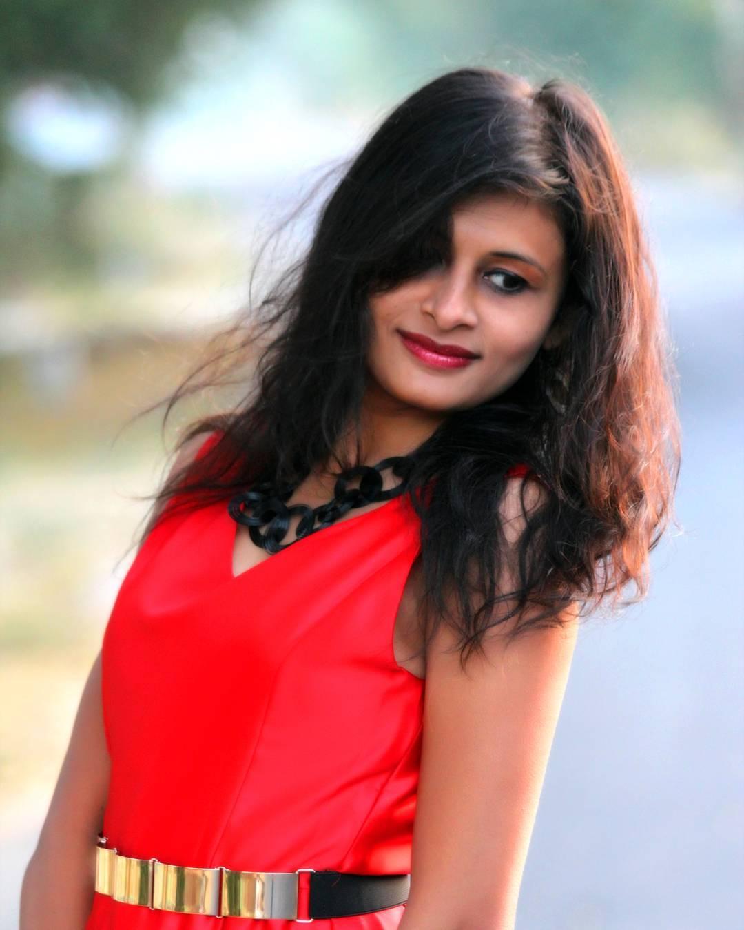 In frame: @mansimodi06  #beautifulwomen #girlsportrait #photoholic #girlsfashions  #portraitphotography #portrait #fashionphotography #FashionShoot #ahmedabad #photography #picoftheday #preetyface #boldness #modelpose #modelphotography #AhmedabadPhotography #shootout_ahmedabad  #ahmedabaddiaries #ahmedabadshoutout #MementoPhotography
