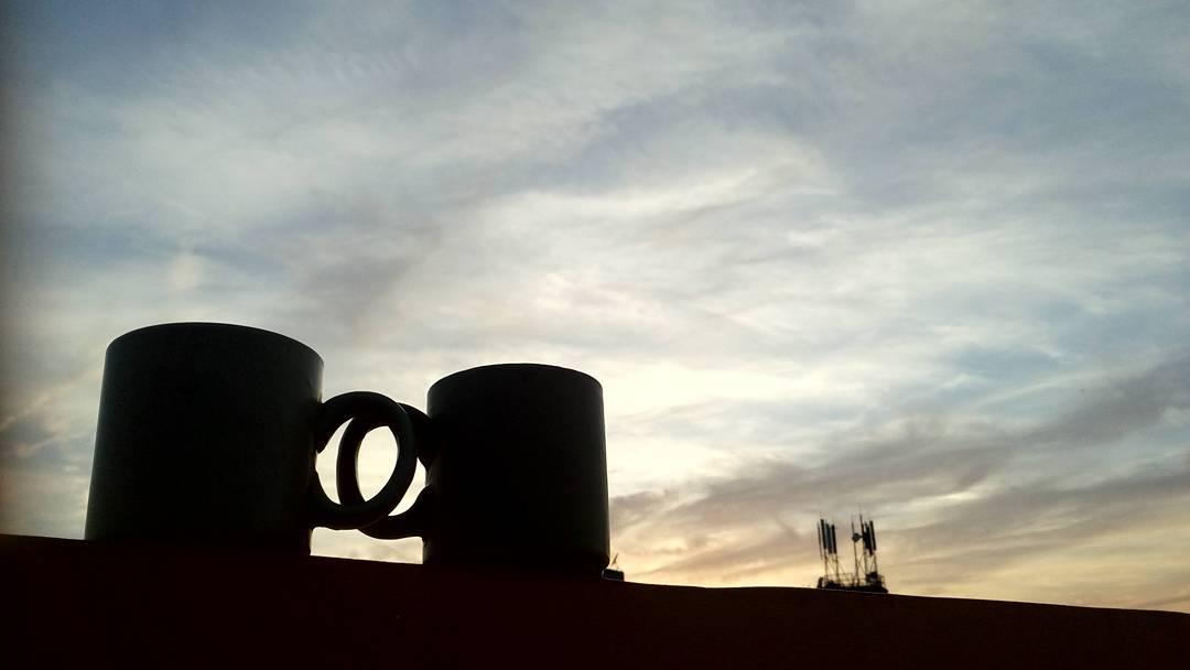 Life is a combination of love😘, Magic🌠 & Coffee☕. Its coffee☕ O'clock⌚. #shadow #sunset #people #iiframe #silhouettephotography #silhouette #silhouettephotograph #silhouetteportrait #creativephotography  #mobilephotography  #dipsphotography | #mementophotography