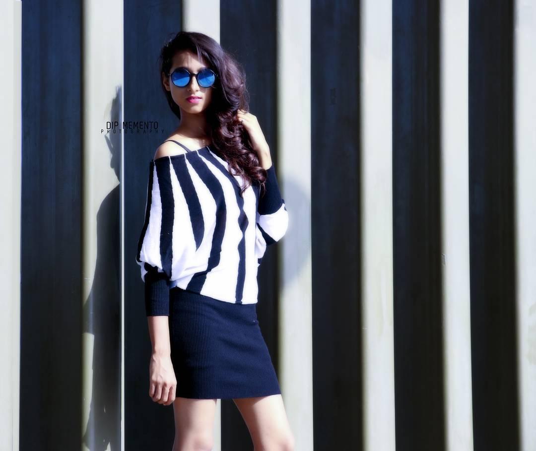INFRAME : AESHA SHAH  #PortraitVision #ahmedabadfashion #ahmedabadfashionblogger  #ahmedabadfashionpalette #printshoot #womensportraiture #beautifulwomen #girlsportrait #photoholic #portfolioshoot  #folioshoot #catalogshoot #girlsfashions #portraitphotography #portrait #fashionphotography #FashionShoot #ahmedabad #photography #picoftheday #modelpose #modelphotography #AhmedabadPhotography #ahmedabad #indianfashionblogger #fashionblogger  #ahmedabaddiaries #urbanfashion  #oneplus #WPDShootonOnePlus
