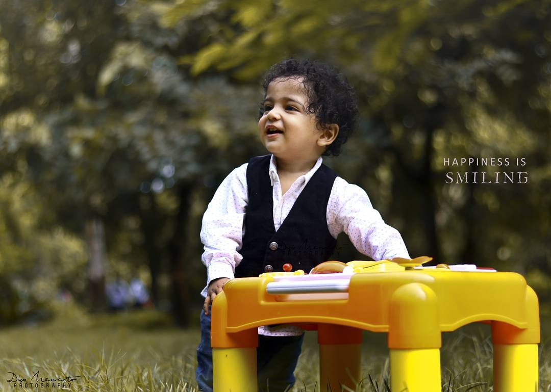 Happiness is Smiling.... InFrame : Aahan 😍😘💝👯 Babyshoot by : Dip thakkar | #dipmementophotography .🙌 #kidsphotography #parenting #motherhood#baby #babies #babygirl #little #babyboy #instababy #babys #babycute #lovesmootiepie #beautifulbaby #cutie #berrycurly #birth #beauty #babybump #mommylife #momlife #mommy #kids #babyfever #babiesofinstagram #love #blackgirlmajic #newborn #outfit #newmom