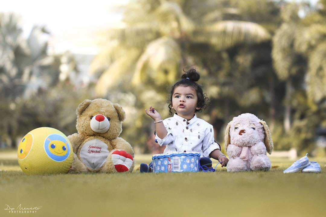 There is only one pretty child in the world, and every mother has it. #kidsphotoshoot Photoshoot : Dip thakkar  Videoshoot : Pragnesh Pandya #dipmementophotography .🙌 #kidsphotography #parenting #motherhood #baby #babies #babygirl #little #babyboy #instababy #babys #babycute #lovesmootiepie #beautifulbaby #cutie #berrycurly #birth #beauty #babybump #mommylife #momlife #mommy #kids #babyfever