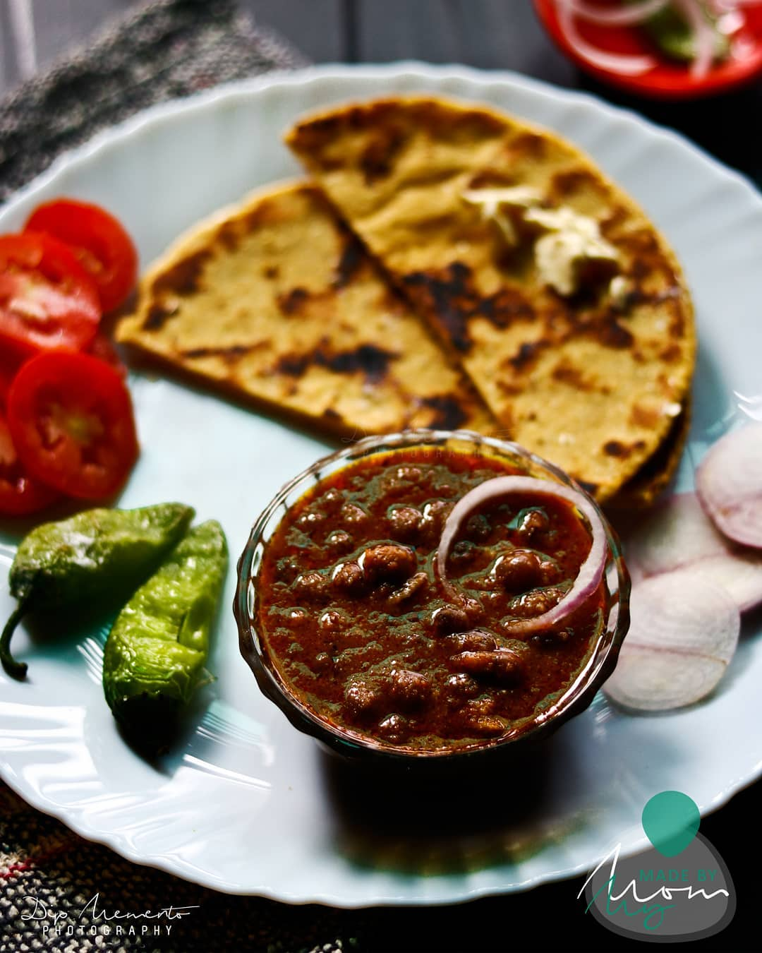 Tuver (Thotha) tadka masala + Makke-da-Rotla.. With green fried chilly and salads ... sounds different ?? But testy full tummy filler.. Yummmm👌😋😋Test.. .. From #madebymom #gujjufood  How many of you like it?? . 🥒🥒🥒🍋🍋🍋🥔🥔🌶🌶 Food Shoot :@dip_memento_photography 🥒🥒🍋🍋🍋🥔🥔🌶🌶 .  #ahmedabad  #hungrito #foodporn #foodphotography #happymood  #happiness #foodpic #foodoftheday #foodlover #foodie #foodlove #foodporn #hungrito #productPhotography #Productshoot #foodclicks #aighungrito  #fooddi #happyPeople  #picoftheday #photoholic #magazine #magazineshoot  #magazinephotography #ahmedabadifoodholics