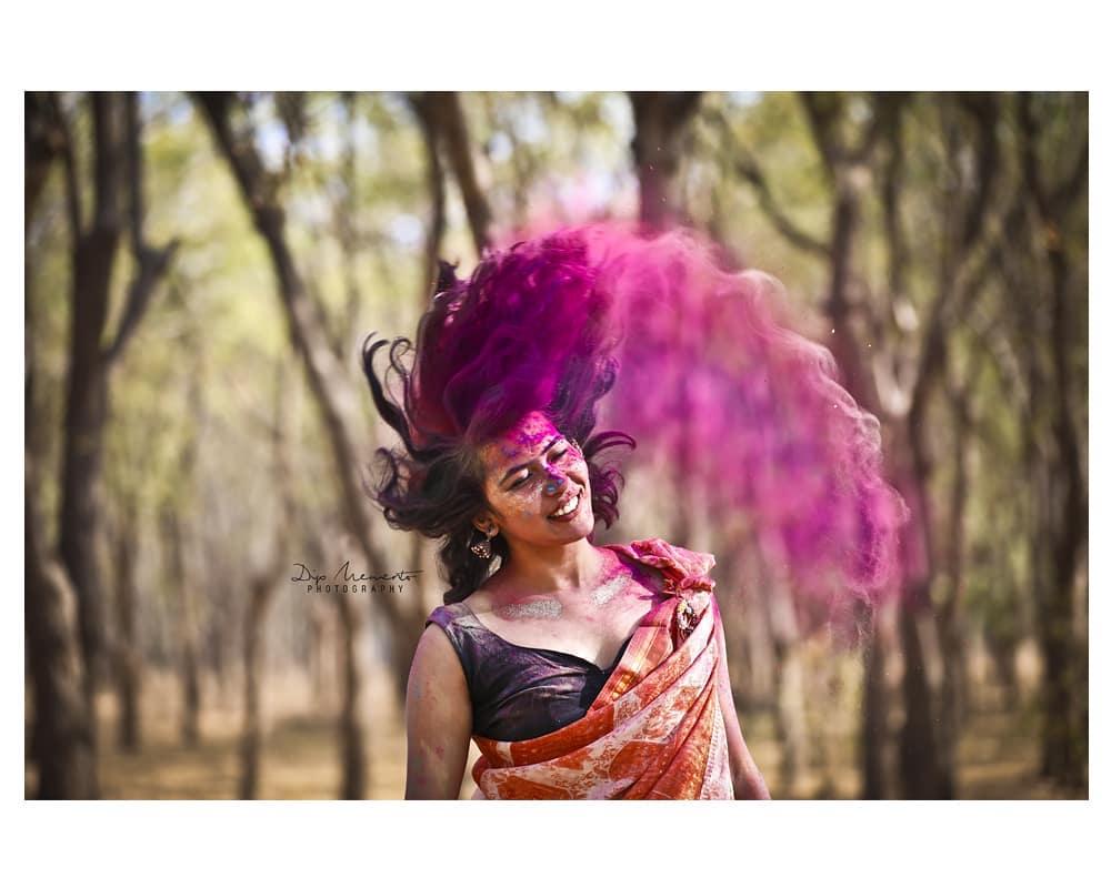 I have lead a pretty colourful  L I F E 😊😊 #traditionalholiconcept 🔶🔹🔷🔸🔶🔹🔷🔸🔶🔹🔷🔸🔶🔹🔷🔸🔶 InFrame : Komal @komalpatel_16 Shoot by : #dip_memento_photography #memento_photography @dip_memento_photography & @meandmyphotography11  #holi #happyholi  #color  #holishoot  #colursfestival #IndianFestival #indianculturee  #indianpictures  #ahmedabad #gandhinagar #bloggers #bloggerstyle #bloggerslife  #indianblogger  #indianwomen #indian #indiangirl #fashionbloggers #fashionblog #ethnic #CapturedOnCanon #fashion #photography #_ip #fashionmodel #sassy #holifestival