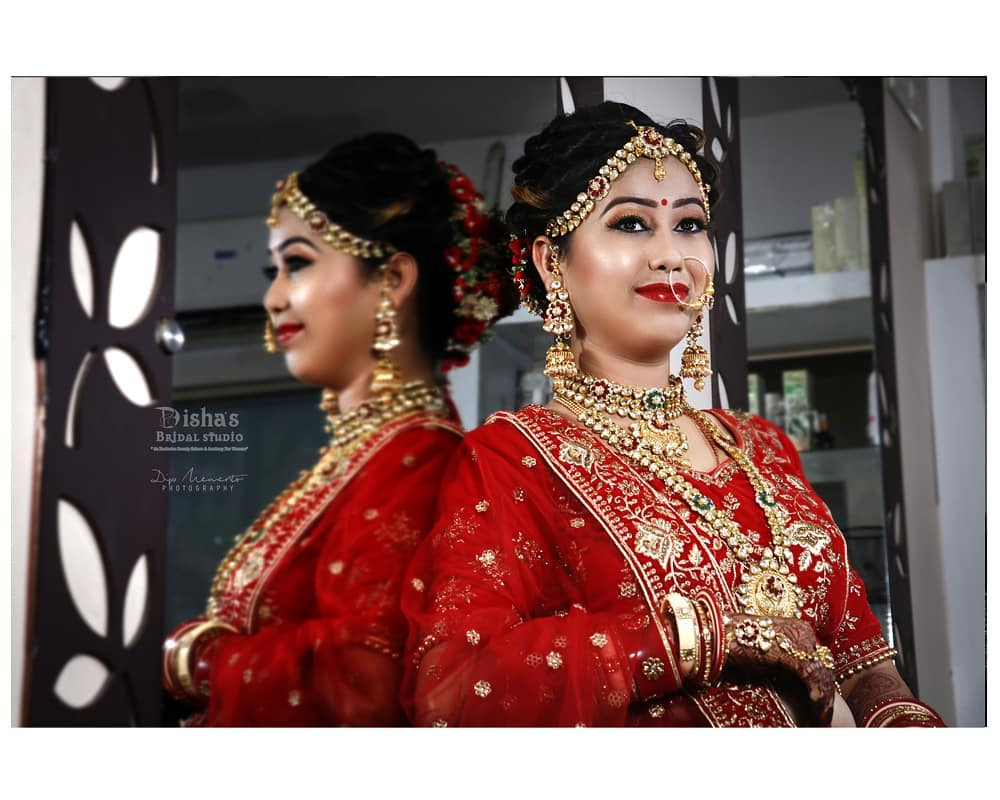Happy Face... #Bride to be.. . . .  Makeup from  @dishasbridalstudio .... Photography: @dip_memento_photography . .  #ahmedabad #photography#bridalmakeup #makeup #artist  #indianwedding #weddingevent #weddingmakeup #weddingmakeover #weddingbells #weddingbrigade #weddingwire #weddingfashion #instawedding #indianbride #brideswag #weddinghairstyle #bridephotography #weddingphotography #hotbride #bridemakeup #bridehairstyle #bridemakeover #indiandulhan #instagram #instalove #instabride #brideoftheday #followus  @wedzo.in @blissindianweddingguide @eventilaindia @shaadisaga @bridalaffairind  @kaleeralover  @alcantaramakeup @the_indian_wedding @indian__wedding @indiagramwedding @weddingz.in @wedmegood @wedabout @weddingplz @weddingsonline.india @weddingdream @weddingnet @indianweddingbuzz