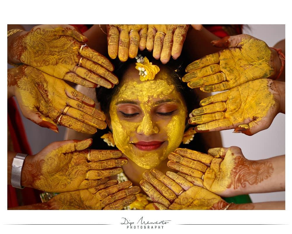 Priya's #HaldiCeremony  When you are eternally beautiful inside, your picture radiate and the happiness that is captured is truly eternal... 🎆✨🎆✨🎆✨🎆✨🎆✨🎆✨ Wedding Shoot 📸: @dip_memento_photography @meandmyphotography11 Book your 2019-20  shoot 9924227745 🎆✨🎆✨🎆✨🎆✨🎆✨🎆✨ #weddingseason #bridesmaid #bridesmaiddress #pithi #weddinginspiration #beautifulbride #bridalmakeup #hinduwedding #weddingfashion #haldioutfit #bridalgoals #floraljewellery #getweddinginspo  #haldioutfit #haldidecor #happiness  #bridesmaids #bridesmaidgoals #weddinginspo  #indianbride #indianbrides #indianwedding #indianweddings #bridesofindia #indiangroom #indiangrooms #haldiceremony #haldi #yellow #weddingrituals