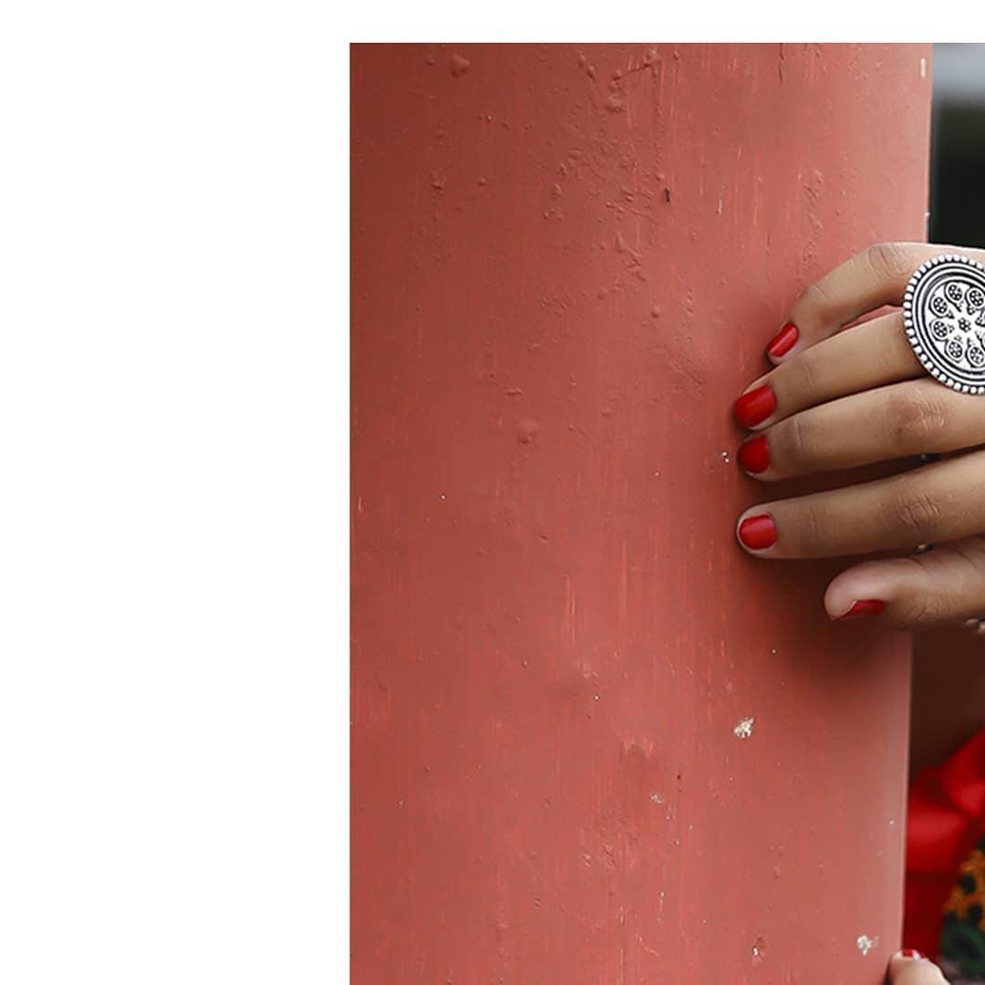 #navratri2k10 #navratri2019 #Mua . . .  MUA: @dishapanchal246  Shoot: @dip_memento_photography @meandmyphotography11  InFrame: @shrutigoswami51  Costume by: @rashmithummar  #navratri2019 #photoshoot #ethnic #traditionalart #ahmedabad #gujarati  #pop #makeup #navratrichaniyacholi #chaniyacholi #indianfashionblogger  #fashionblogger #makeuptutorial #weddingdress #swag  #instapic #bollywood #bollywoodhotness #bollywoodactresses #indian #pic #picoftheday #photooftheday ##instagood#instamood #festivalofnations #festival