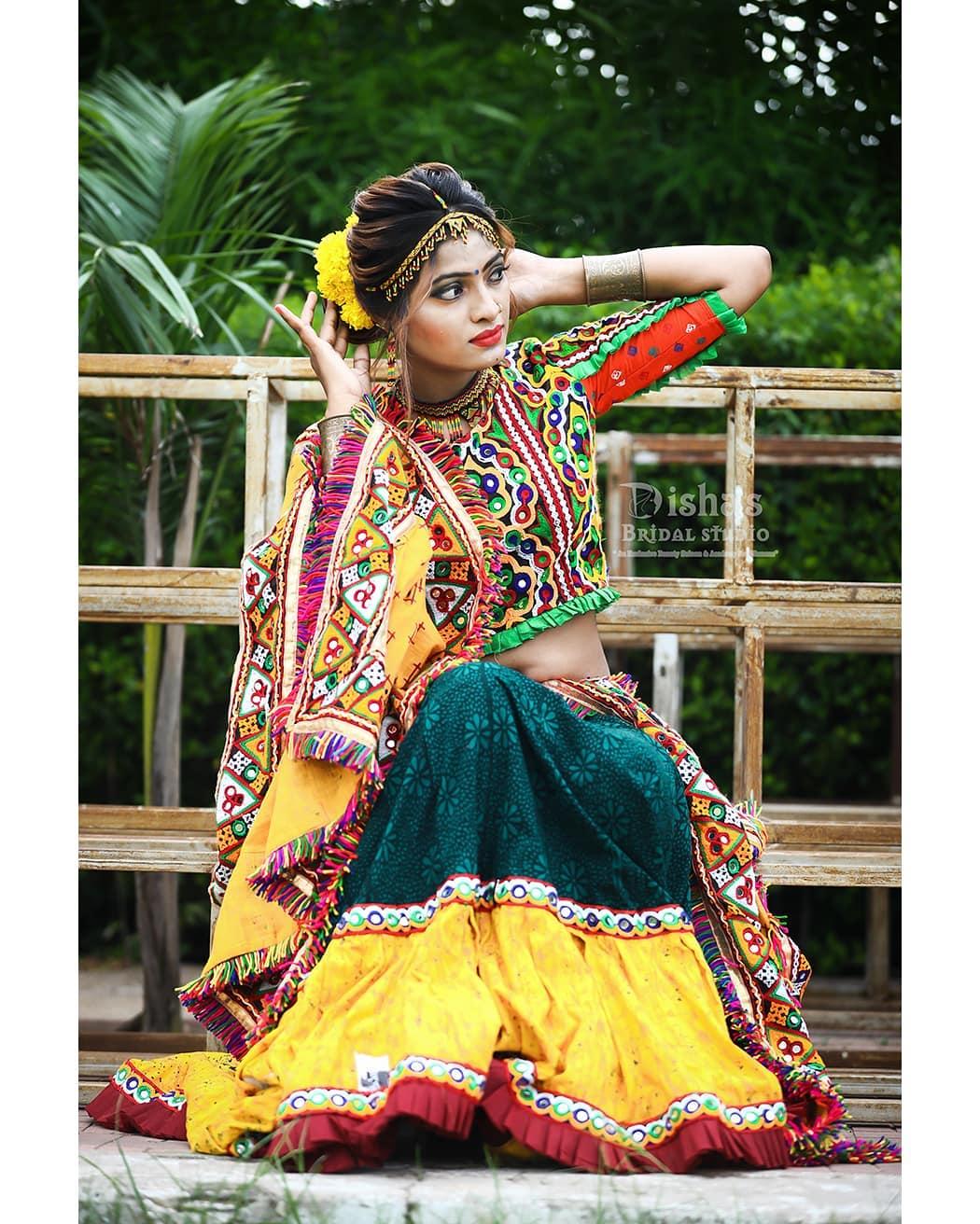 #navratri2019 #navratri #navratri2k19  shoot.. . . MUA: @dishabeautysaloonacademynikol  Shoot: @dip_memento_photography @meandmyphotography11  InFrame: @patelshefali0806  Costume by: @rashmithummar Jewellery : @dishapanchal246  #photoshoot #ethnic #traditionalart #ahmedabad #gujarati  #pop #makeup #navratrichaniyacholi #chaniyacholi #indianfashionblogger  #fashionblogger #makeuptutorial #weddingdress #sexy#instagram #instapic #bollywood #bollywoodhotness #bollywoodactresses #indian #pic #picoftheday #photooftheday ##instagood#instamood #festivalofnations #festival