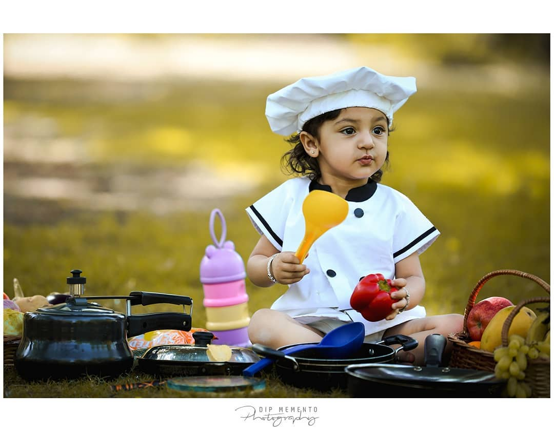 Hello Friends, tell me what's your favo. dish?? Will cook for you.. .L I T T LE - D H RI V A 🍕🌭🧀🍔🍟🍝🍜🍛🍚🥘🍲🥗🍿🍱🍣 .  Baby/Kids Photography : 9924227745 @dip_memento_photography @meandmyphotography11  @sky_clicks_feelms .  #kidsphotography  #littletoes #tinystars #instaking #cook #food #loved #summerstyle #9925227745 #instakids #dipmementophotography #natural #cute #instakids #fineartphotography #india #ahmedabad #kidsphotoshoot  #babyphotoshoot #babyphotography  #picoftheday  #loved #blessed  #indiankids #indianmoms #kids  #dipmementophotography #motherhood #momblogger #kidsstyle #mommyblogger