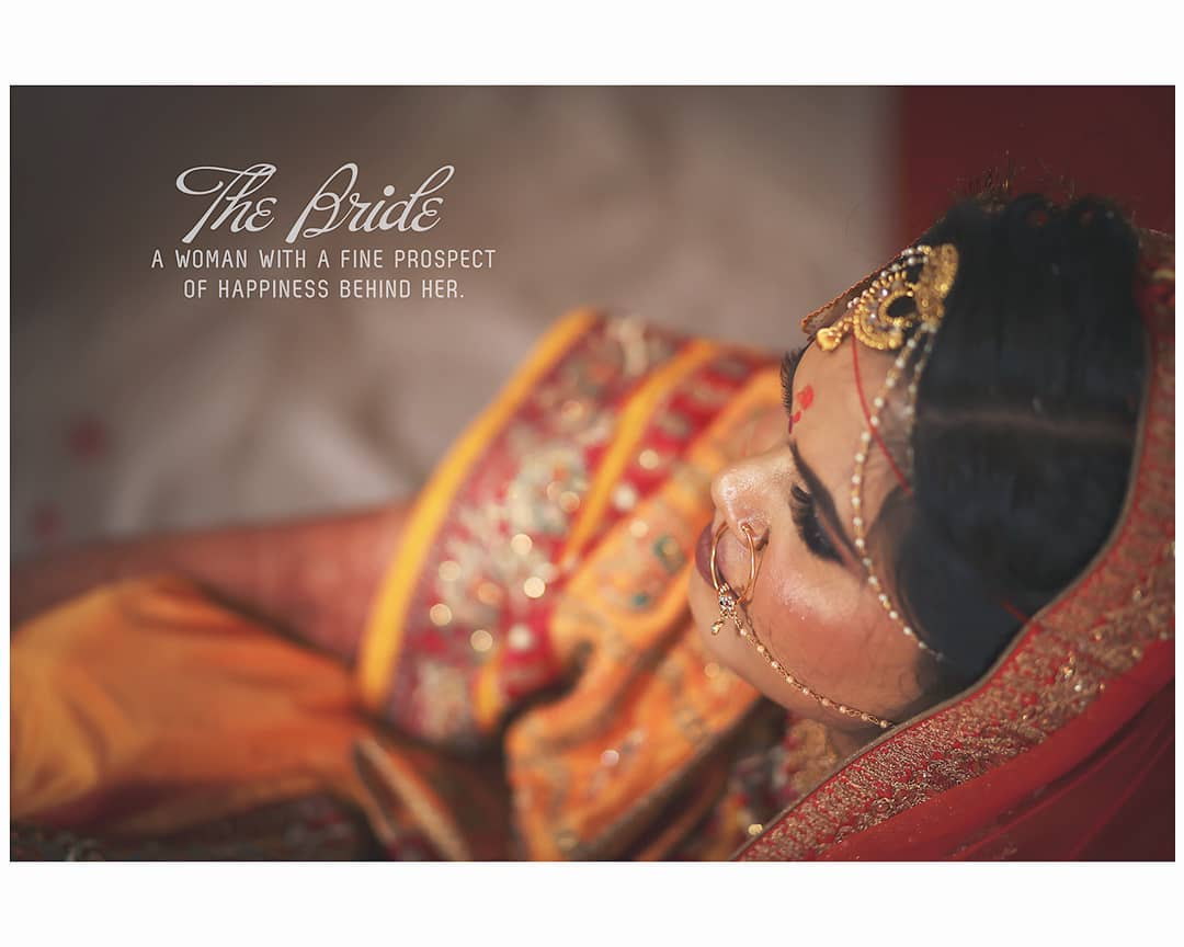 The #Bride - 👰 A women with fine prospect of happiness behind her... . . . The best thing about Indian culture is its exquisiteness. North, East, South or West, various rituals and customs around the nation are deeply loved and respected. You would not believe, but it is true that with every state or region, the customs in India vary. Be it festivals, weddings, or any other religious events, everything has its own uniqueness and with it comes its distinctive colour, flavour, and taste.  In India, weddings are not just an occasion to celebrate the union of two souls, but a bond that gets cemented for saat janam. Indian weddings are larger than life celebrations, which see brides flaunting their best looks. So, here are a few bridal looks from India that will leave you mesmerised... . . . #hinduwedding #bride #hinduweddingphotographer #weddingphotography  Weddding shoot @dip_memento_photography  #bridetobe #coupleshoot #haldifunction #bridal #brideandgroom #beautifulbride #bridal #haldi #groom #groomandbride #groomandgroom #beautifulfoodforyou. #celebration #weddingsku #weddingsutra #weddingseason #BetterTogether #beautifulbride #BetterTogether #brideandgroom