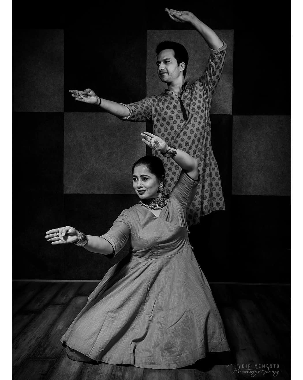 Dip Memento Photography,  kathakdancers, indiandancecrew, bollywooddance, dancersofindia, kathak, kathakdance, classicaldance, ahmedabad, indianclassicaldance, pirouettes, chakkars, happydancing, classicaldance, indiandancer, dancersofinstagram, indianclassicaldance, kathakdance, kathakdancer, indianclassicaldancers, 9924227745, spins, worldofdance, dance, indiandanceform, loveforkathak, dancers, dancersindia
