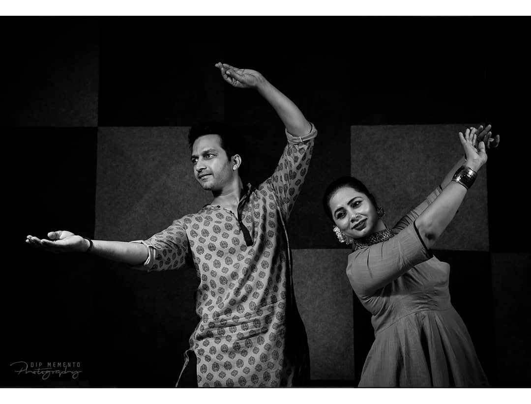 Kathak Dance Video Shoot for  @nrityalayabyjashodapatel . . Photo/Videography: Dip Thakkar @dip_memento_photography . . Performers: @jashodapatel_kathak @hiteshchauhan_kathak  #kathakdancers #indiandancecrew #bollywooddance #dancersofindia  #kathak #kathakdance #classicaldance #ahmedabad #indianclassicaldance #pirouettes #chakkars #happydancing #classicaldance #indiandancer #dancersofinstagram #indianclassicaldance  #kathakdance #kathakdancer #indianclassicaldancers #9924227745 #spins  #worldofdance #dance #indiandanceform #loveforkathak #dancers #dancersindia