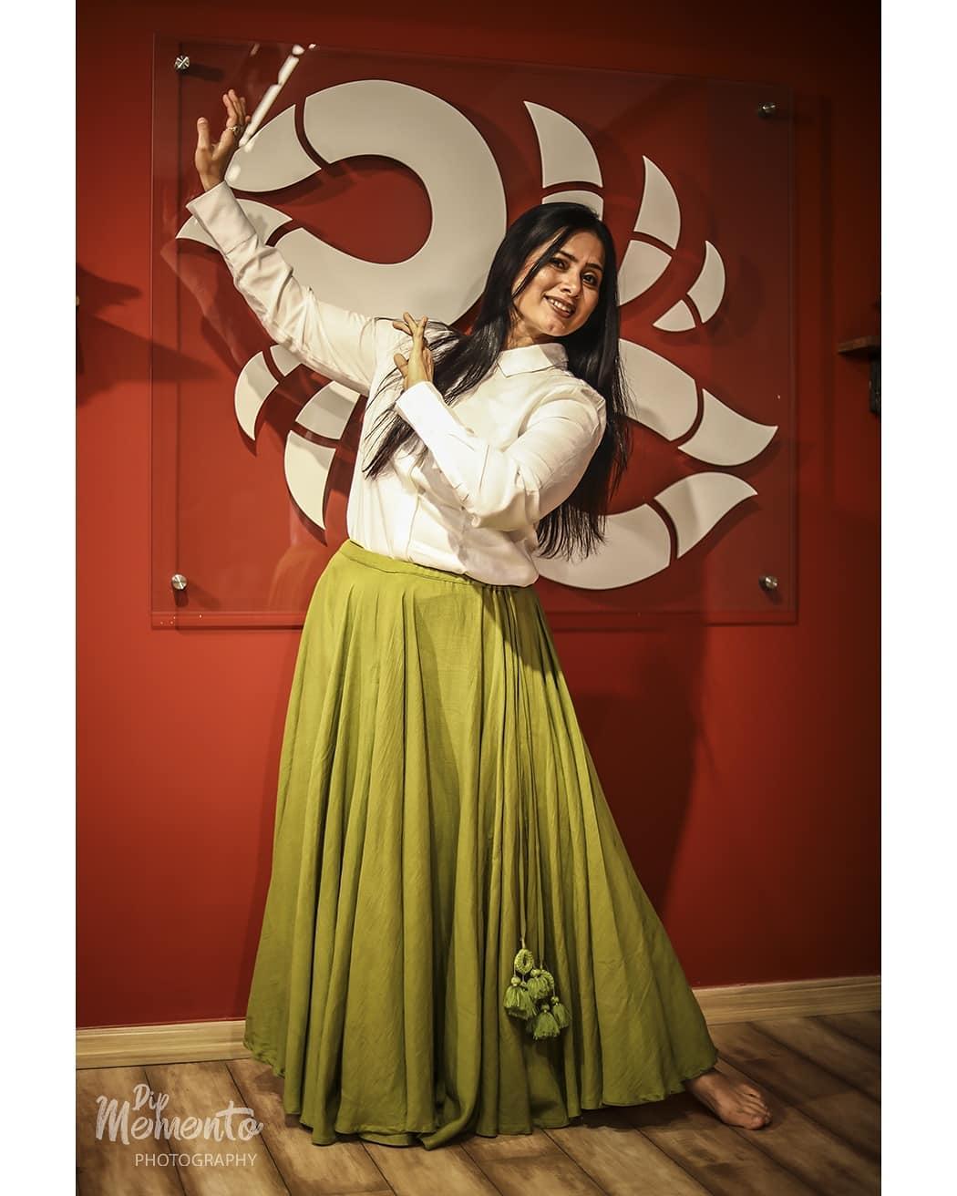 Passion has no expiration date. Juzzz think I can, i will..end of the story.. . . Dance Shoot for  @nrityalayabyjashodapatel @jashodapatel_kathak 📸@dip_memento_photography . .  #kathakdancers #indiandancecrew #bollywooddance #dancersofindia  #kathak #kathakdance #classicaldance #ahmedabad #indianclassicaldance #dancephotography #chakkars #happydancing #classicaldance #indiandancer #dancersofinstagram #indianclassicaldance  #kathakdance #kathakdancer #indianclassicaldancers #9924227745 #dipmementophotography  #worldofdance #dance #indiandanceform #loveforkathak #dancers #dancersindia #indiaportraits