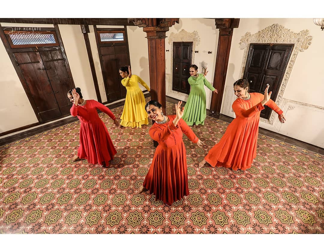 A picture series from song BOL HU....  Dance Video/Photoshoot for : @nrityalayabyjashodapatel @samanvaydance @jashodapatel_kathak @_harshal_vyas_ . Beautiful Costumes: @mohstudioahmedabad . Very talented  Performers: @jashodapatel_kathak @_harshal_vyas_ @bhuvneshwaripatel  @namrrata.51 @shraddha_jignesh @patelshivani . .  Thanks to my dearest wife @pratiksha.thakkarchhagani for help and support . Photo/Videography:  @dip_memento_photography . . #kathakdancers #indiandancecrew #bollywooddance #dancersofindia  #kathak #kathakdance #classicaldance #ahmedabad #indianclassicaldance #pirouettes #chakkars #happydancing #classicaldance #contemporaryart #sufidance #indianclassicaldance  #kathakdance #kathakdancer #indianclassicaldancers #9924227745 #dipmementophotography #contemporaryartist  #worldofdance #dance #indiandanceform #loveforkathak #dancers #dancersindia