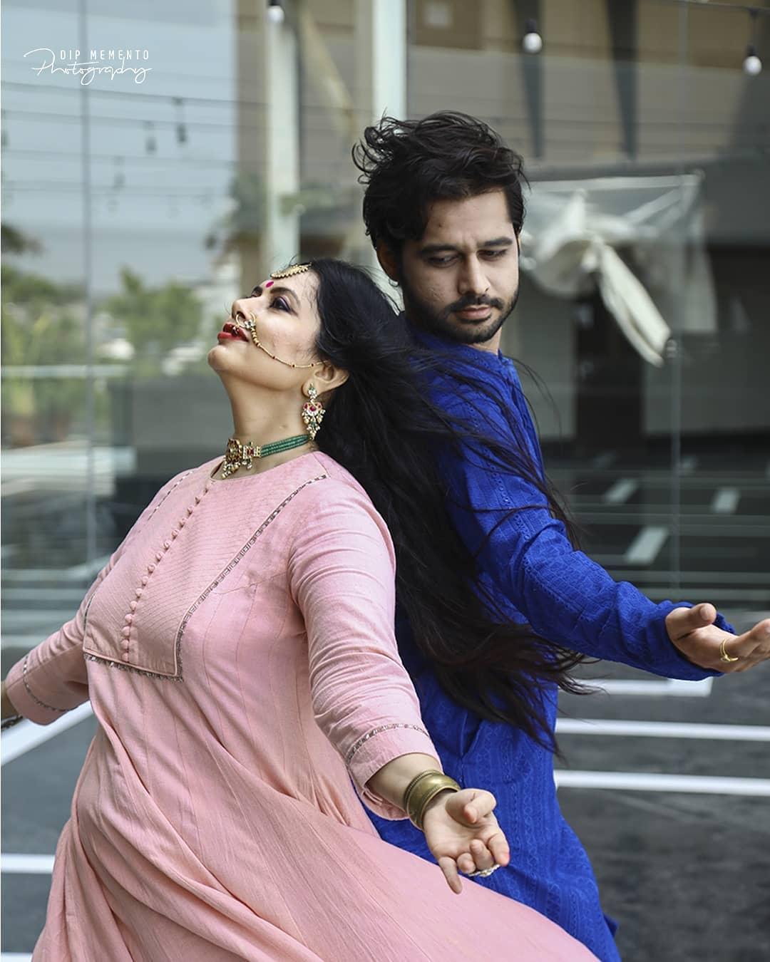 To touch, to move, to inspire. This is true gift of dance.. . . Manmohini Morey Dance video shoot for @nrityalayabyjashodapatel + @evolvedancestudio_ahmedabad InFrame: @jashodapatel_kathak & @parthrajparmar Shoot by :  📷@dip_memento_photography . . . . #kathak #bollykathak #contempkathak  #classicalchoreography #classicaldance #indiandancefederation #dancephotographer #indiandancerscommunity  #kathak_space #9924227745 #kathaklovers #danceoftalent #kathakdancers  #kathakfusion #dipmementophotography #dancevideo #dancers #dancelovers #dancersofinstagram #photography #videography