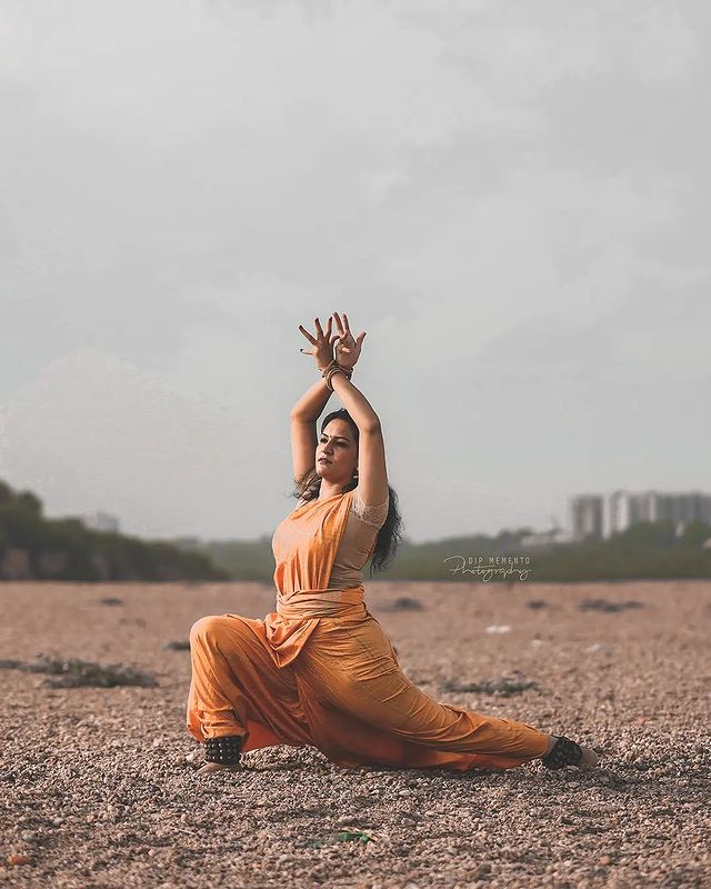 To dance is to be out of yourself, larger, more beautiful, more powerful... . . InFrame : @riddhi.07 📸@dip_memento_photography . .   #classicaldancer #classicaldance #dance #dancer #bharatanatyam #indianclassicaldance #dancersofinstagram #indiandance #kathak #bharatnatyam #dancers #bharatanatyamdancer #classical #indianclassicaldancers #india #classicaldancers #indianclassical #bharathanatyam #kathakdance #art #artist #kerala #kathakdancer #bharatanatyamdance #dancelife #indian #photography #dancephotography #narthanam