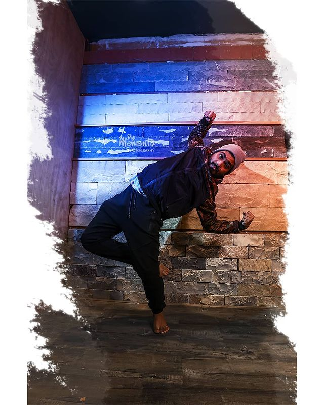 Show them what you are made of.....🤘 . . Respected @yugraj_sharma05 sir ji🙏 @ddancingstreet 📸@dip_memento_photography Support & location @lovefornritya @littlebox_designstudio . . #dancerslife #dancersofinstagram #dancers #danceperformance #dancersofindia #danceevent #dancephotographyworkshop #dancephotography #ahmedabad #photography #event #danceplus #lyricaldance  #ahmedabad #photographylovers #dipmementophotography #9924227745 #danceshow #eventphotography #eventshow #stageshow #likeforlikes #l4likes #l4l