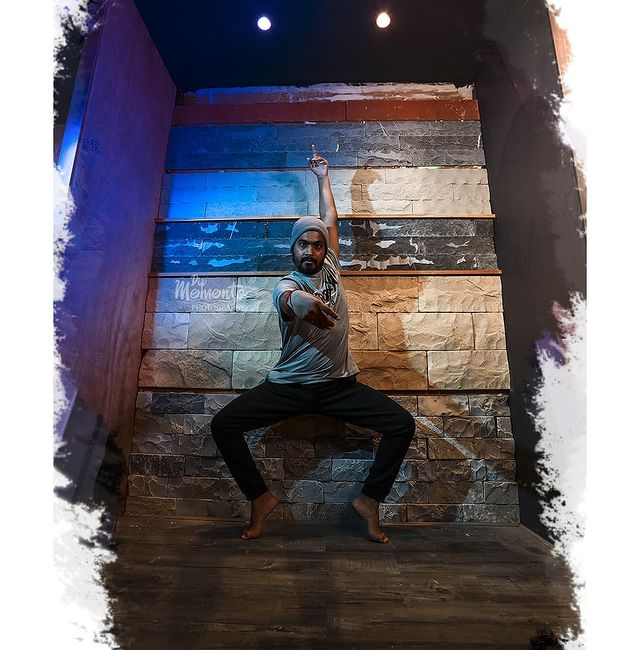 Why do I dance??? Hmm.. Why do you breath?? . . . Respected @yugraj_sharma05 sir ji🙏 @ddancingstreet 📸@dip_memento_photography Support & location @lovefornritya @littlebox_designstudio . . #dancerslife #dancersofinstagram #dancers #danceperformance #dancersofindia #danceevent #dancephotographyworkshop #dancephotography #ahmedabad #photography #event #danceplus #lyricaldance  #ahmedabad #photographylovers #dipmementophotography #9924227745 #danceshow #eventphotography #eventshow #stageshow #likeforlikes #l4likes #l4l