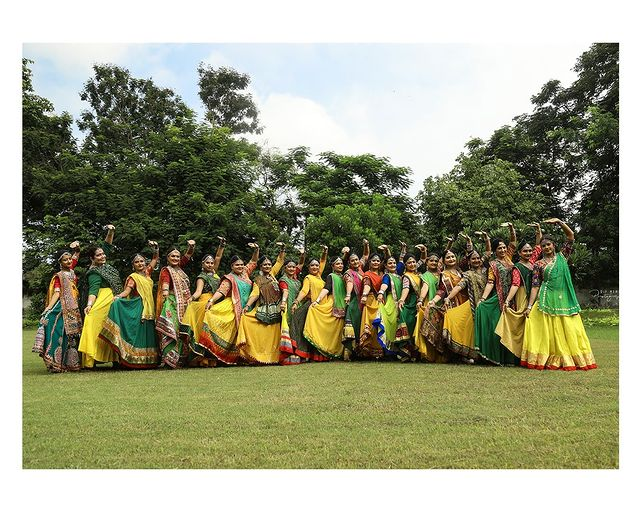 Garba Video/Photoshoot  for  @lasya_by_bhuvneshwaripatel Team, @bhuvneshwaripatel as Choreographer InFrame Whole Lasya Group 📸 @dip_memento_photography   . . .  #twirling #flare #navratri #garbaqueen #garbaking #ahmedabad #fashion  #indianfestival #navratrifestival #navratrigarba  #garbalovers  #9924227745 #dancephotographer #photographer #navratrispecial #garbavibes💃 #nightfestival #garments #catalogue #dancephotography #ahmedabaddancers #ahmedabad_instagram #l4l #photooftheday #dipmementophotography